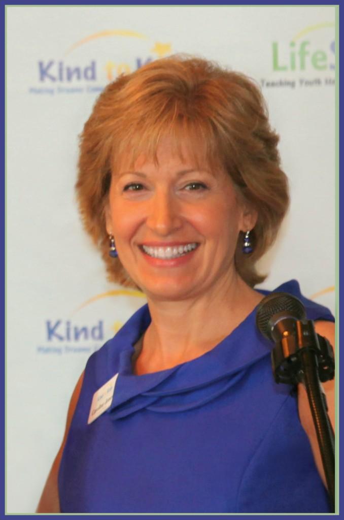 Caroline Jones, CMJ photo, low res